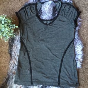 Lululemon Workout Tee Black and Grey SZ 12
